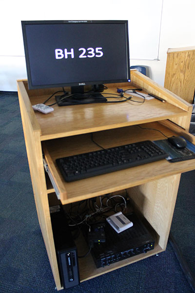 Berndt Hall Room 235 Workstation
